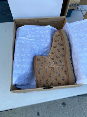 Uggs for Sale in Compton, CA