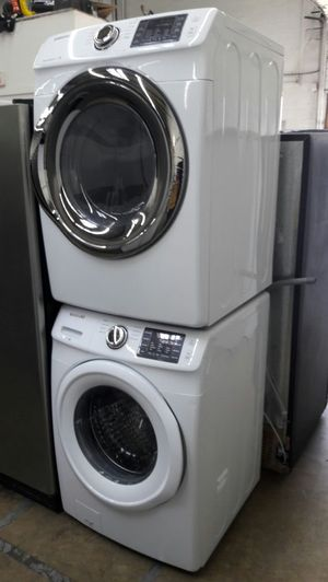 New Samsung front load washer and dryer set for Sale in Fort Washington, MD