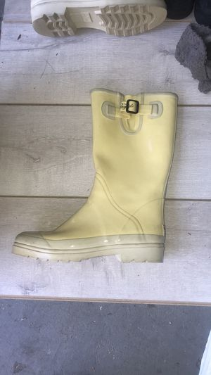 Penguin original butter yellow rain boots steel sole women's 10 for Sale in Riverside, CA