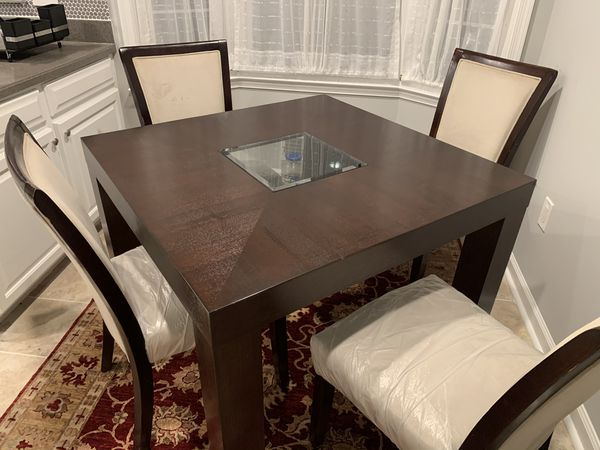 Breakfast table with 4 chairs