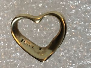 14K Yellow Gold Heart Pendant Charm 13mm 0.6 grams for Sale in Los Altos, CA