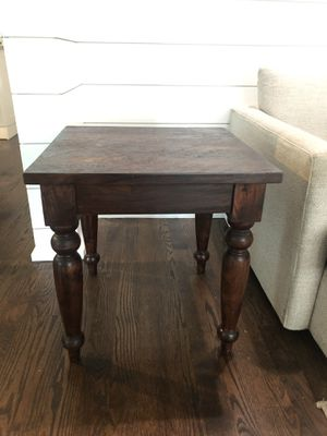 Crate and Barrel end table-set of 2 for Sale in Riverside, IL
