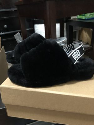 UGGS Fluff Yeah Slides Brand new Never worn! for Sale in Elk Grove, CA