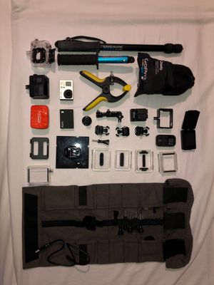 GoPro Hero 3 Plus Massive Bundle for Sale in Swormville, NY