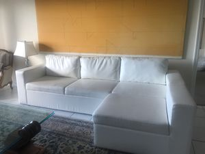 Modani leather sectional with sleeper for Sale in North Miami, FL