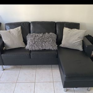 BLACK SMALL LIKE NEW COUCH for Sale in New York, NY