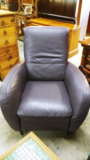 MATCHING LOVESEAT AND RECLINER for Sale in Fort Lauderdale, FL