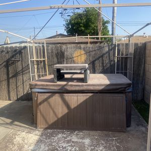 Two Person Hot tub for Sale in Norwalk, CA