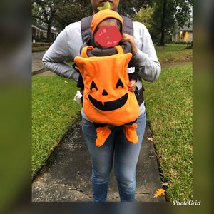 Baby carrier costume for Sale in Houston, TX
