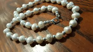 Absolutely Gorgeous genuine Freshwater pearls necklace. for Sale in New York, NY