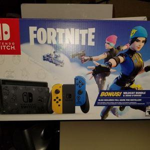 Nintendo Switch Fortnite Wildcat Bundle Brand New w code for Sale in Miami, FL