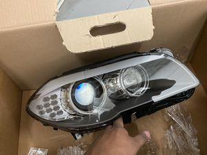 2013 BMW 5 Series 535i M5 Right headlight for Sale in Arlington, TX
