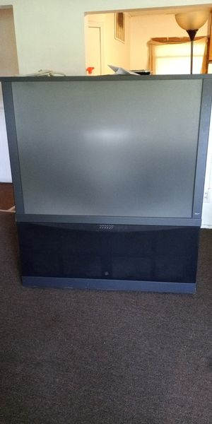 Hisense Floor Model Tv for Sale in North County, MO