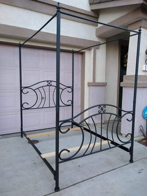 Full Size Metal Canopy Bed Frame Cama for Sale in Patterson, CA