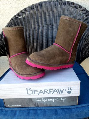 Girls NEW bearpaw boots size 1 for Sale in Monrovia, CA