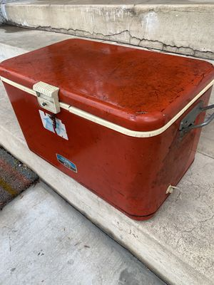 Vintage red 1960's Thermos Cooler or Ice chest for Sale in Los Angeles, CA