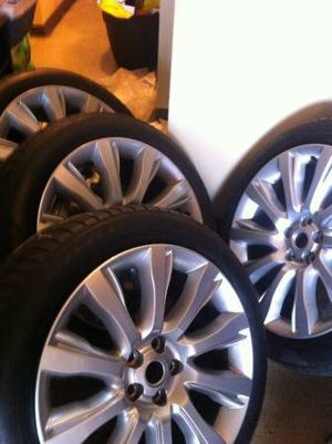 """Original 21"""" Range Rover Wheels and Tires for Sale in New York, NY"""