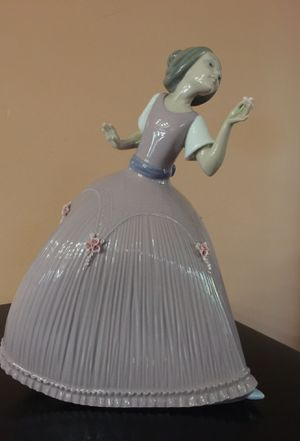 Genuine Lladro Figurine for Sale in Lake Forest, CA