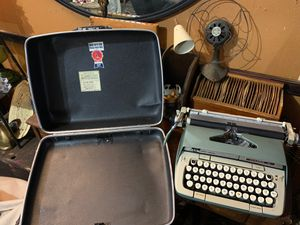 Smith-Corona Classic 12 typewriter for Sale in Ashville, OH