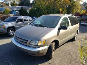 2003 Toyota Sienna Minivan,190,000 Miles,Runs Good,Need Front Brake Pads,$350 Or Best offer(South Seattle(Rainier Beach,Skyway ) for Sale in Seattle, WA