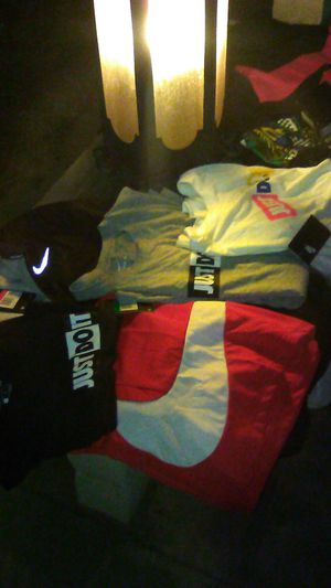 Brand new mens Nike clothes size L and XL for Sale in Fresno, CA