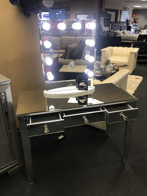 Makeup Vanity for Sale in Duncanville, TX