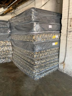 Orthopedic mattress and box spring delivery available for Sale in Plainfield, IL