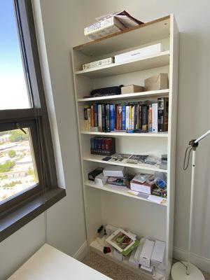 """White Bookshelves 31.5"""" (L) x 11"""" (W) x 79"""" (H) for Sale in Atlanta, GA"""