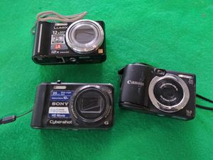 3 digital cameras for Sale in San Antonio, TX