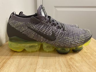 NEW Nike Air VaporMax Flyknit 3 'Grey Volt' AJ6900 009 Men's Shoes-Size 8.5 for Sale in Oakbrook Terrace, IL