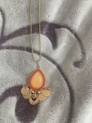 Teardrop pendant with chain for Sale in Tinton Falls, NJ