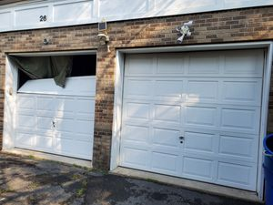 Sales and service and insulation garage doors for Sale in Elizabeth, NJ
