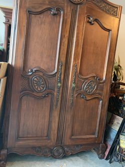 Antique armoire. for Sale in Las Vegas,  NV