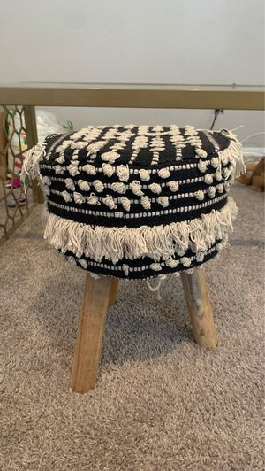 Stool short and small for Sale in Garland, TX