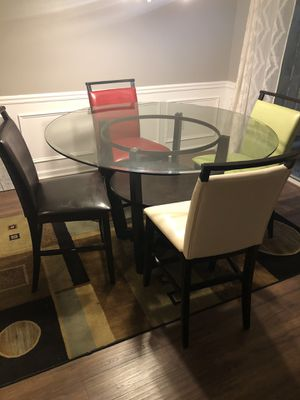 Dining room table w 4 chairs for Sale in Kennesaw, GA
