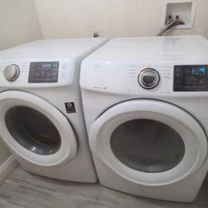 Samsung Washer And Dryer Electric, Steam Sensor, Great Working Condition for Sale in Walnut, CA