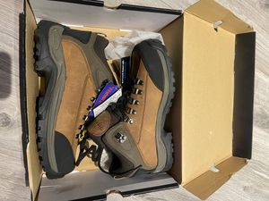 BRAND NEW steel toe boots men for Sale in Highland Park, NJ