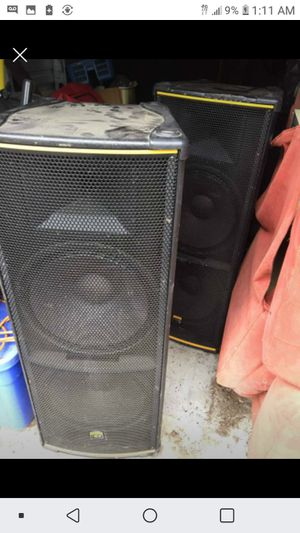 5ft speakers great shape no amp for Sale in Lawrenceville, GA