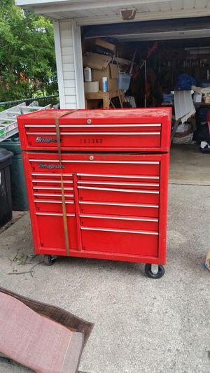 Large snap on tool box with upper chest for Sale in Redford Charter Township, MI