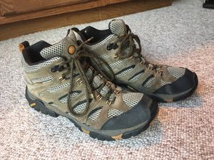 Merrill hiking boots men's shoes size 9.5 for Sale in Great Falls, VA
