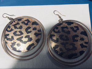 Super cute cheetah print and gold dangling earrings for Sale in Tacoma, WA