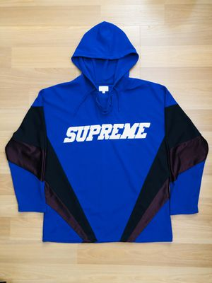 SUPREME HOODED HOCKEY JERSEY SIZE MEDIUM for Sale in Queens, NY