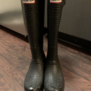 "Hunter ""Snakeskin"" Rain Boots Size 8 for Sale in Austin, TX"