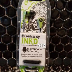 Skullcandy Samsung JVC Apple iPhone Aux earbuds headphones ear bud many different types of Earbuds available Bz1 for Sale in Moreno Valley, CA