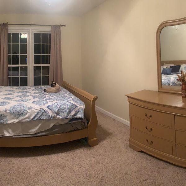5 piece Queen bedroom set for sale