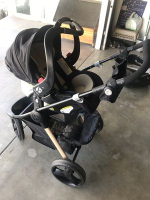 3 wheel stroller for Sale in Hemet, CA