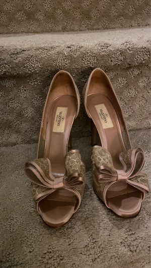 Valentino shoes gently used for Sale in Manassas, VA