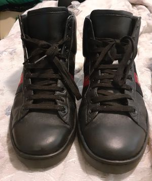 Gucci black leather shoe for Sale in Whitehall, OH