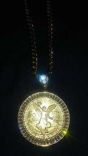 18k gold plated cuban link chain and medallion for Sale in Aurora, IL