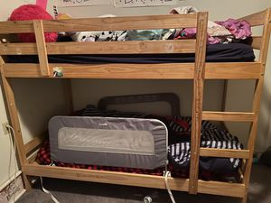 Free bunk bed for Sale in Castro Valley, CA